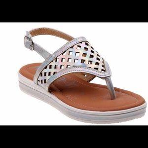 NWOT Sz 1 KassieGirl thongs Sandals